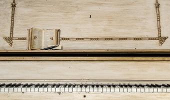 CONCERTO LIRICO-PIANISTICO - CONVERSAZIONI-DIBATTITO IN LINGUA ITALIANA
